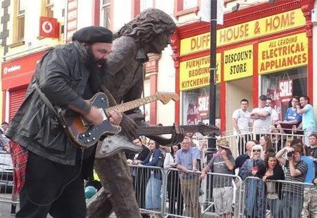 Lieux et monuments dédiés à Rory Gallagher - Page 3 RoryGallagher